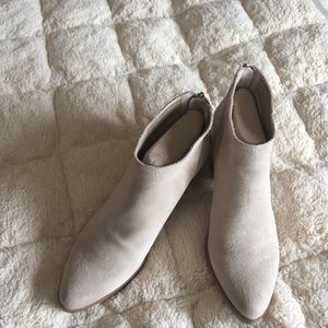 Size 8 Dolce Vita Booties with zip up back